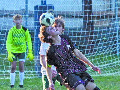 RCHS booters fall to Braxton